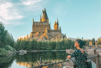 A Fan In Front Of Hogwarts In Universal Studios